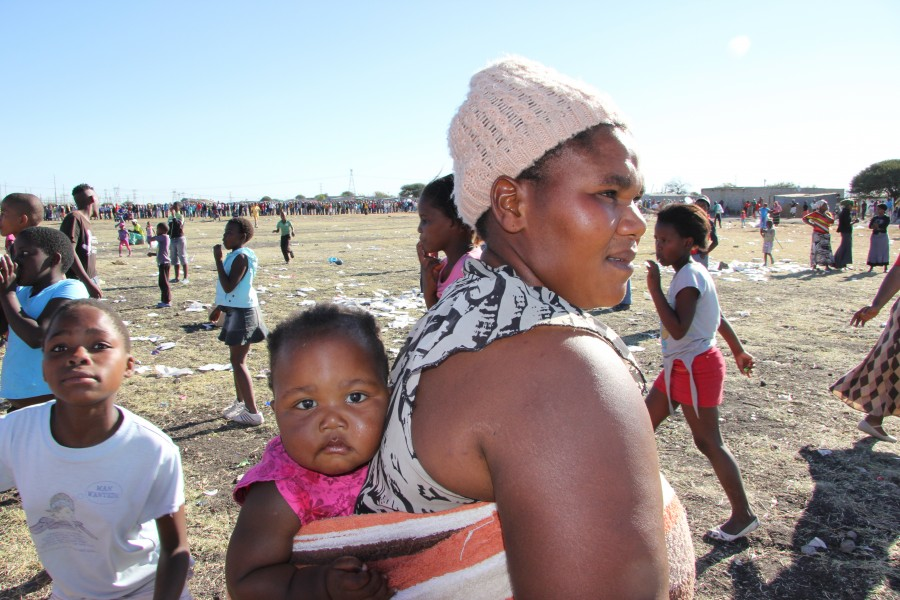 Woman in Marikana. By Gillian Schutte. All rights reserved.